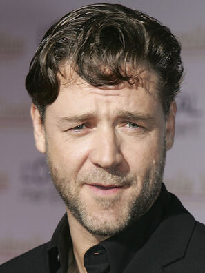 This image has an empty alt attribute; its file name is russell_crowe-headshot.jpg